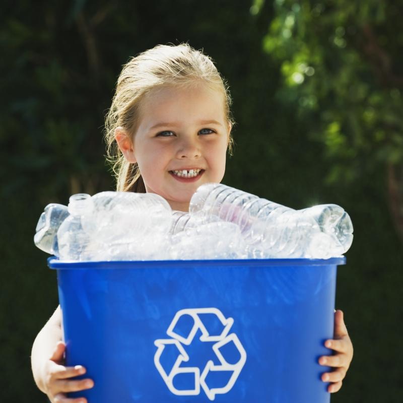 Nowe zasady segragacji śmieci i odbioru odpadów w Warszawie. Co zmieni ustawa śmieciowa?