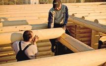 Stropy, więźbę, pokrycie dachu można zbudować z drewna