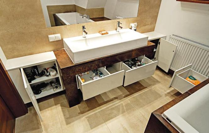 Jakie szafki do łazienki? Pomysłowe schowki