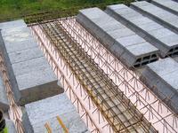 Stropy gęstożebrowe - wypełnienie pustakami stropowymi