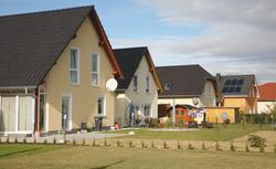 Lokalizacja domu ekologicznego. Buduj w ścisłej zabudowie lub remontuj
